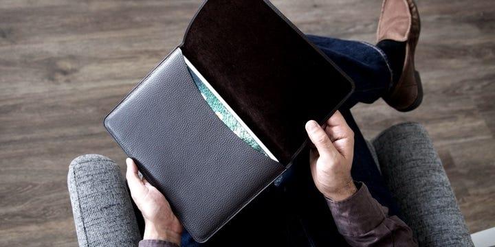 Hoes met flap voor iPad 10.5 - Natuur - Soepel Leer